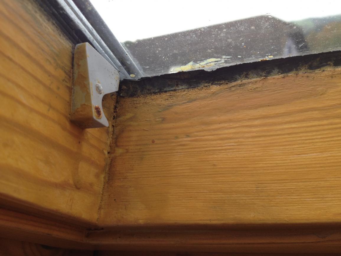 Womit Dachfensterdichtung ausbessern?