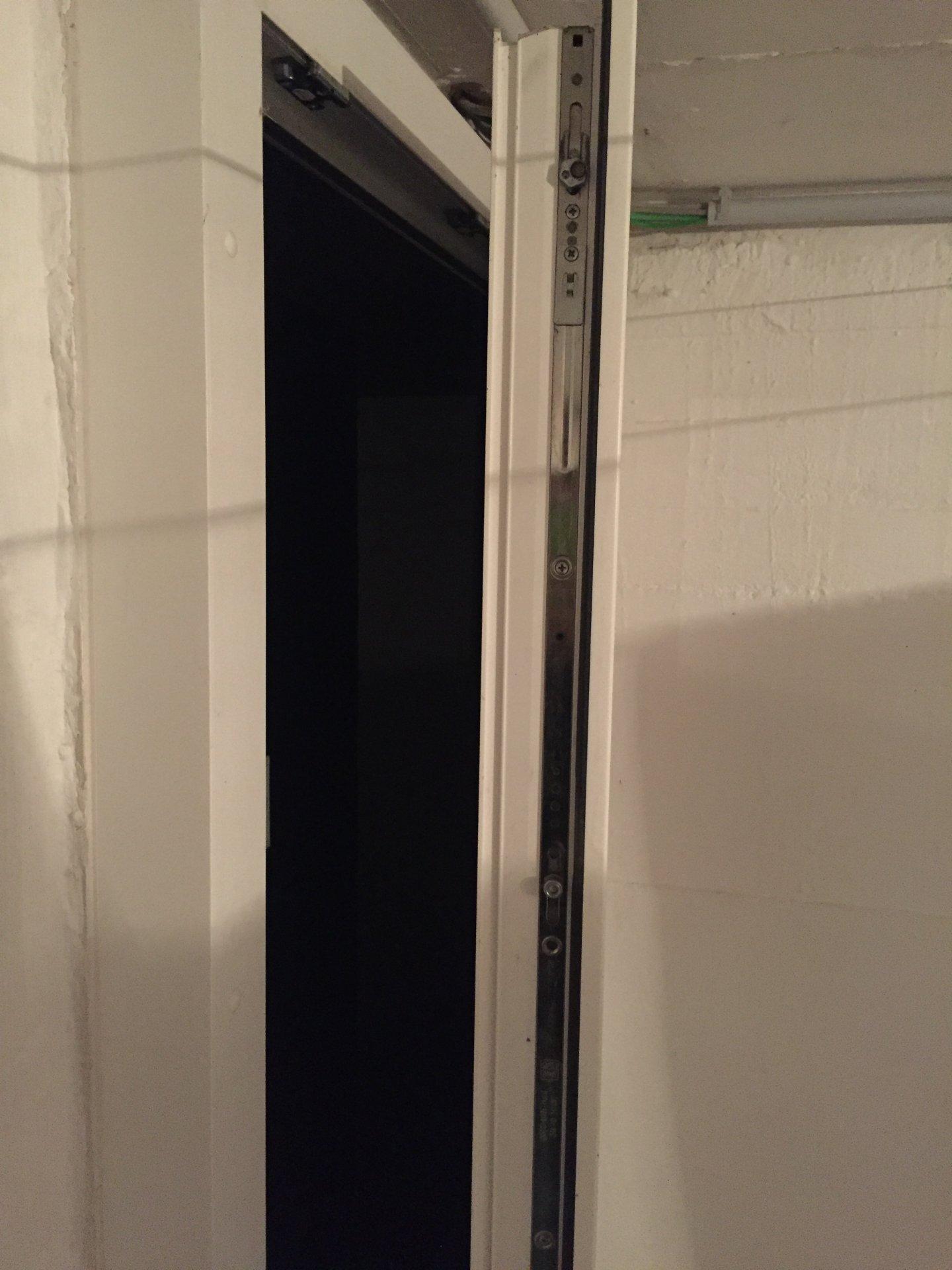 Sehr Kellertüre einbruchsicher machen KX85