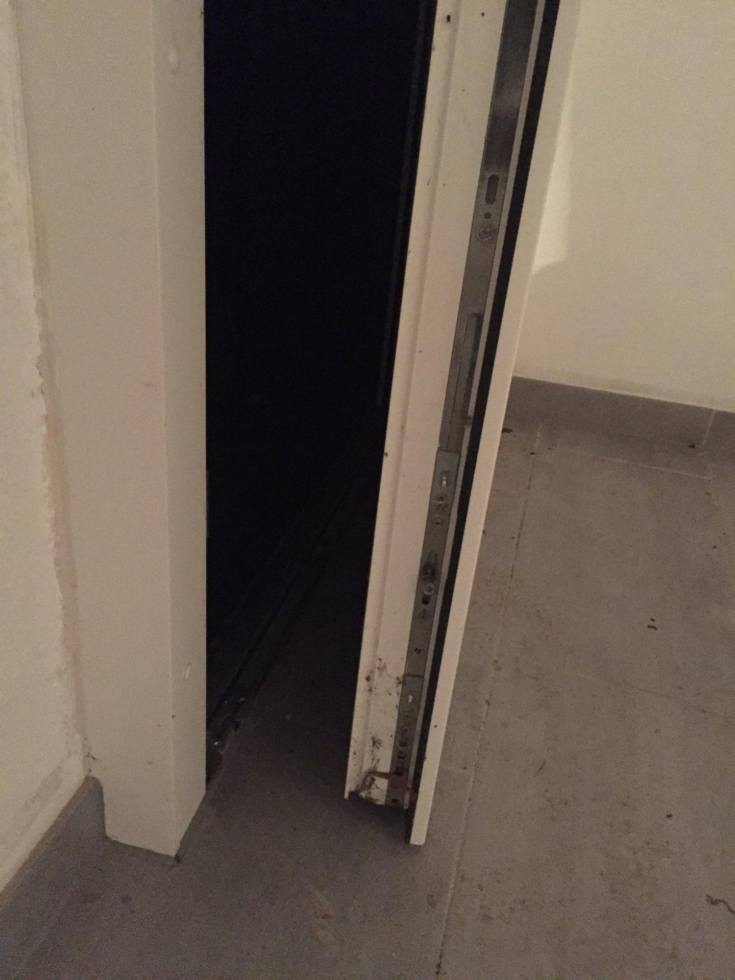 Top Kellertüre einbruchsicher machen XO04
