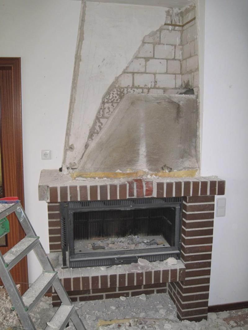 Abriss Eines Alten Kaminofens Asbest Zu Erwarten