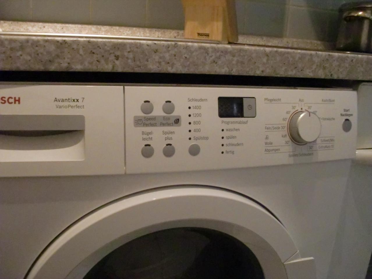Freistehende waschmaschine in kuche integrieren for Aussenkuchen module