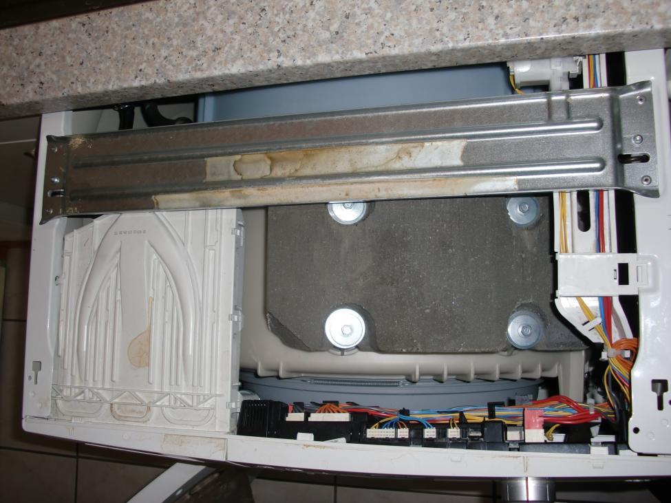 Elektronik von Waschmaschine schützen (nicht unterbaufähiger ...