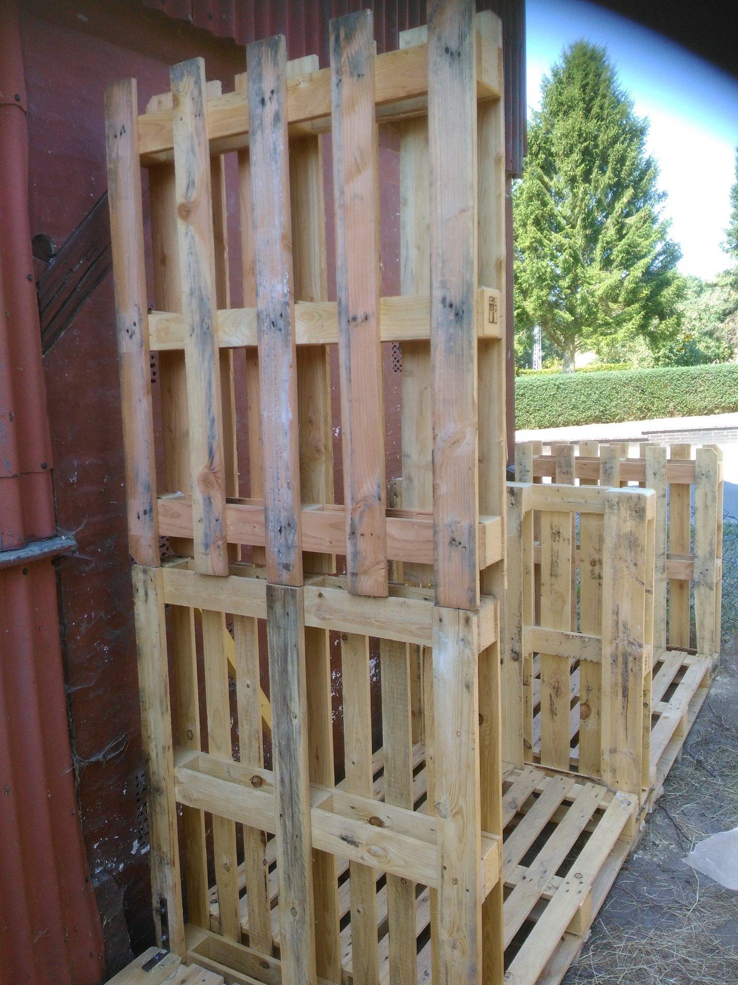 Holzlager aus Paletten (6).jpg