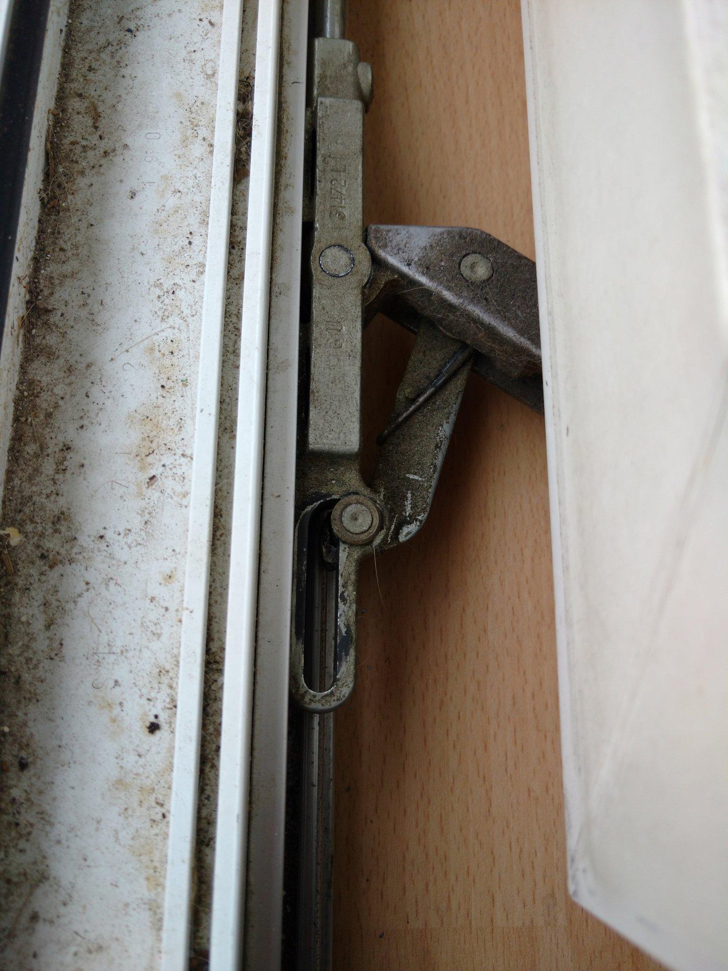 Extrem Balkontür schießt nichtmehr von allein II25