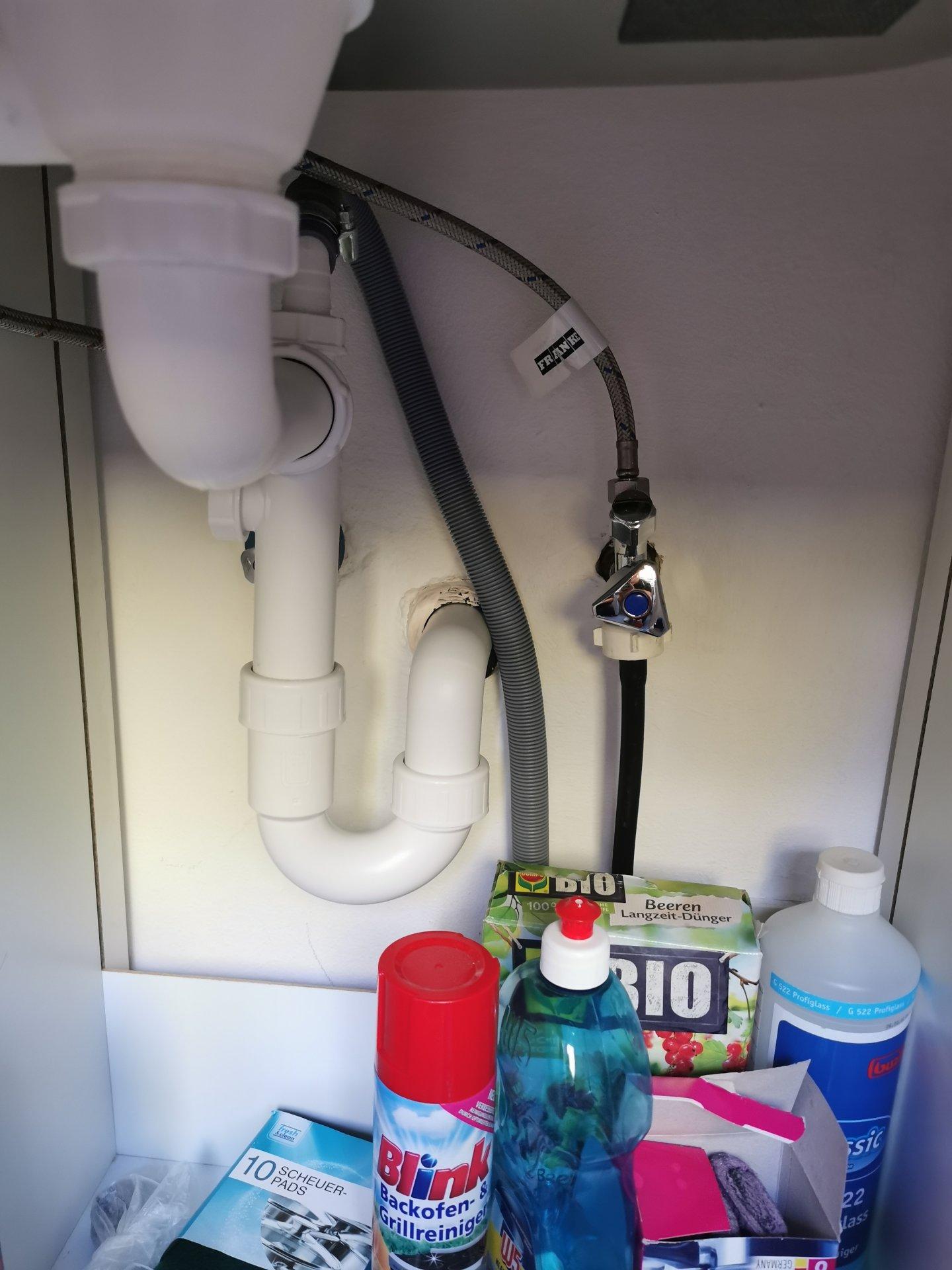 Waschmaschine in Küche anschließen