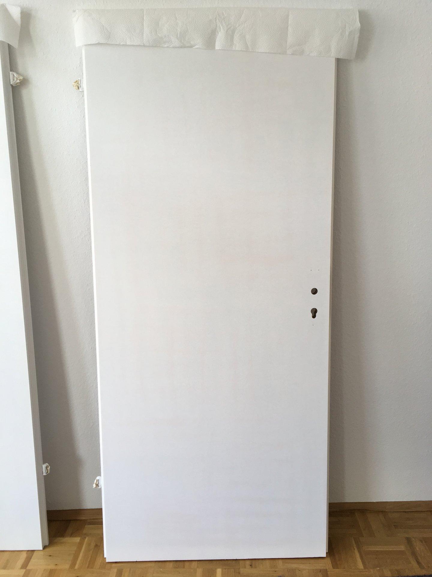 Bevorzugt Braune Holzfurnier-Tür weiß lackieren QF72