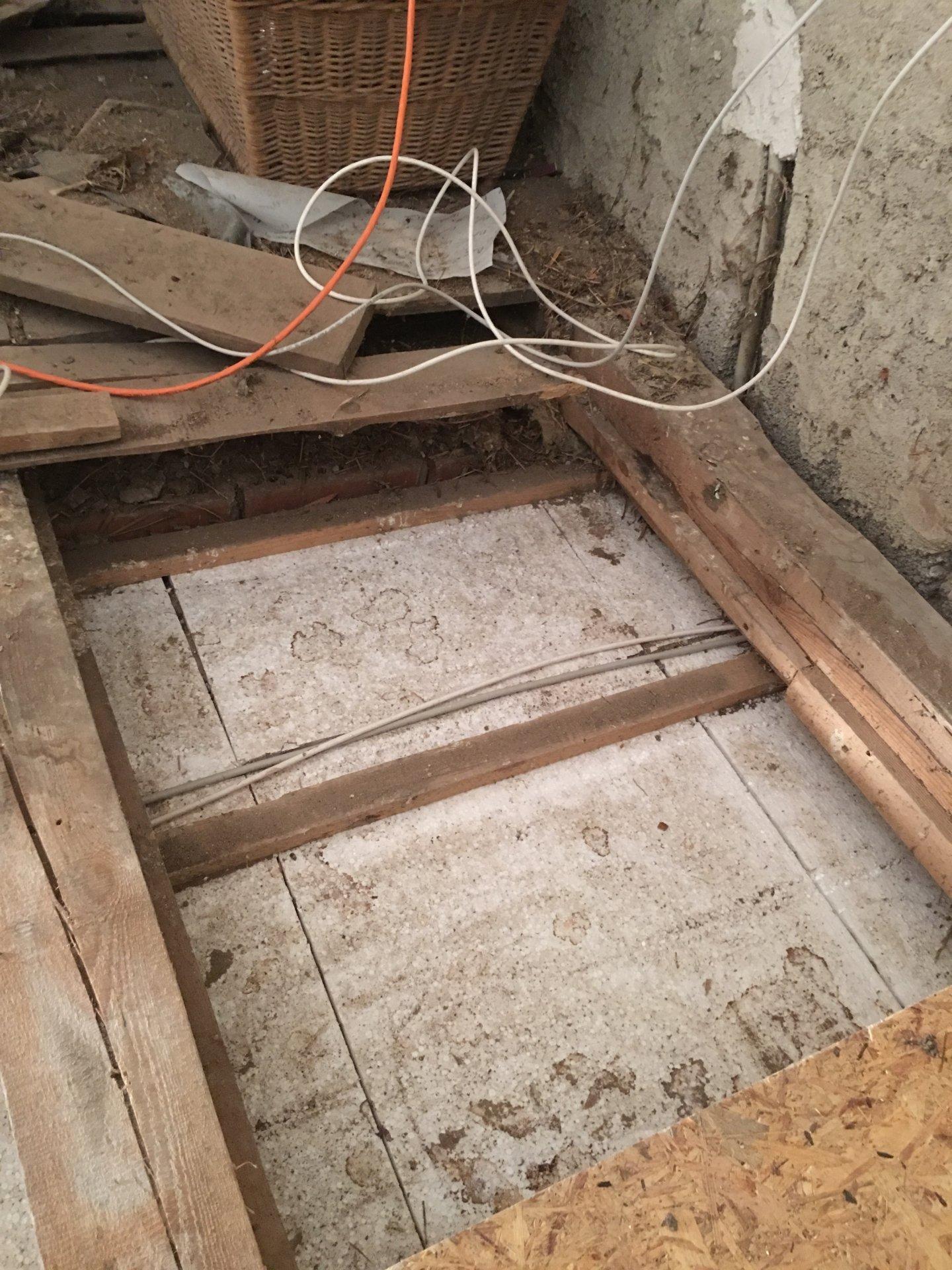 Dachboden Boden Dammen Zwischen Balken