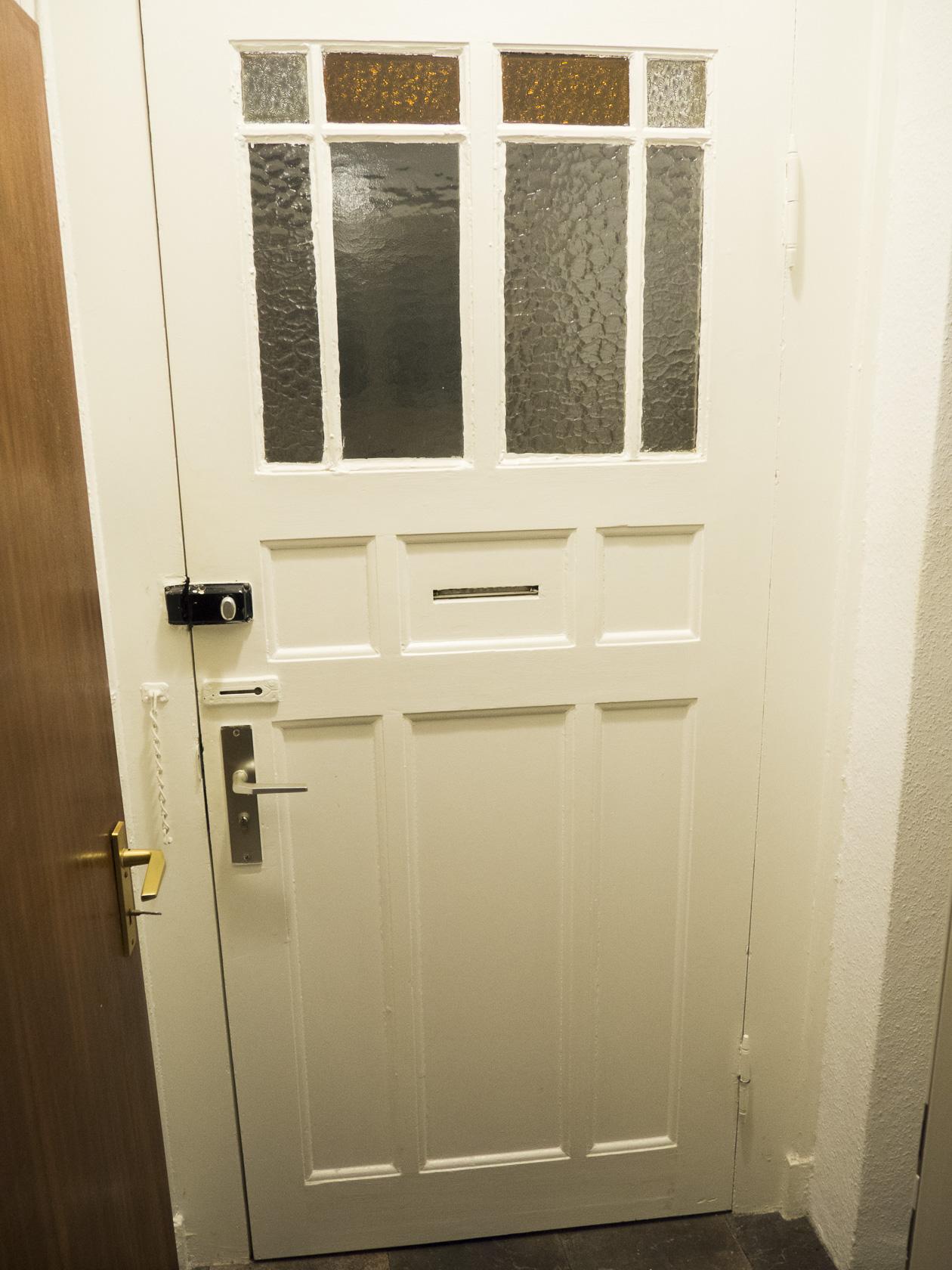 Alte Tür aushängen - Türschanier sperrig/übergemalt