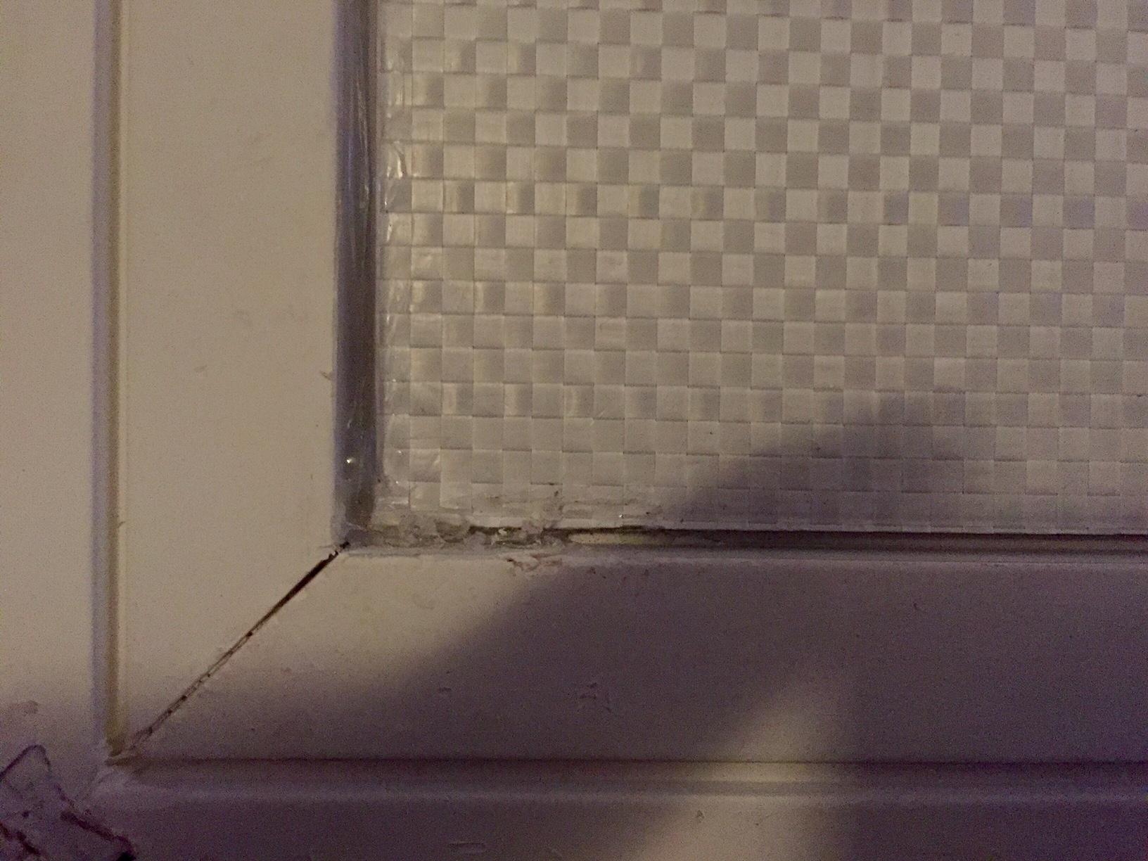 Spiegel aus Rahmen lösen - Probleme mit Heißkleber