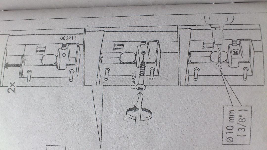 Lowboard zum hngen moderne wohnwand aus korpus und for Besta regal wandmontage