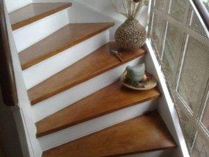 Treppe f rben wie - Holzfenster streichen mit lasur ...