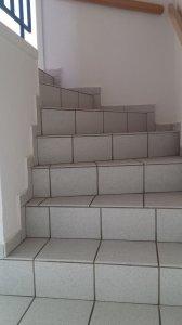 geflieste treppe mit laminat verkleiden. Black Bedroom Furniture Sets. Home Design Ideas